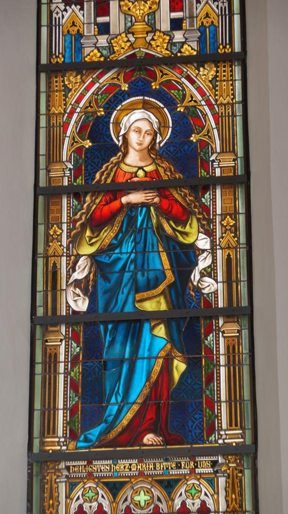 Rechts Maria vergrößert